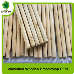 With italian screw varnished wood mop handle
