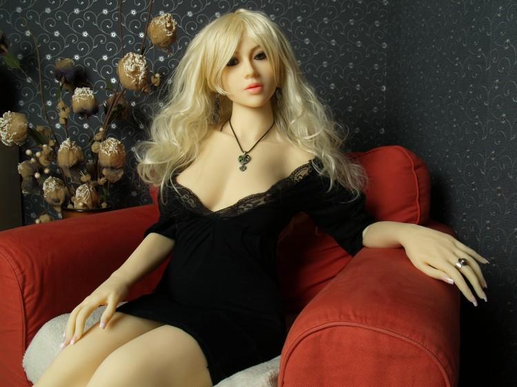video sexe sexe doll