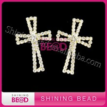 gold plating cross shape crystal rhinestone cheap brooches in bulk with safety pins