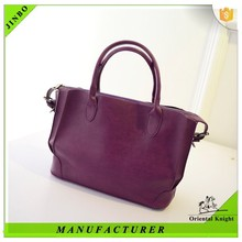 New travel style beautiful lady trendy tote bag on shoulder