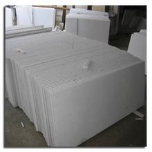 Fine grain pure white marble tile