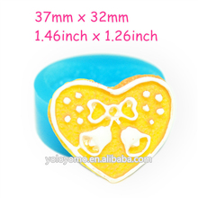 QYL295 Christmas Heart Cookie Biscuit Silicone Mold with Christmas Jingle Bells Craft Cake Decoration Polymer Clay