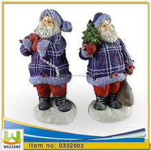 Polyresin Xmas Standing Figurines - Santa Claus 2 Assorted w/Christmas Gifts H. cm. 14