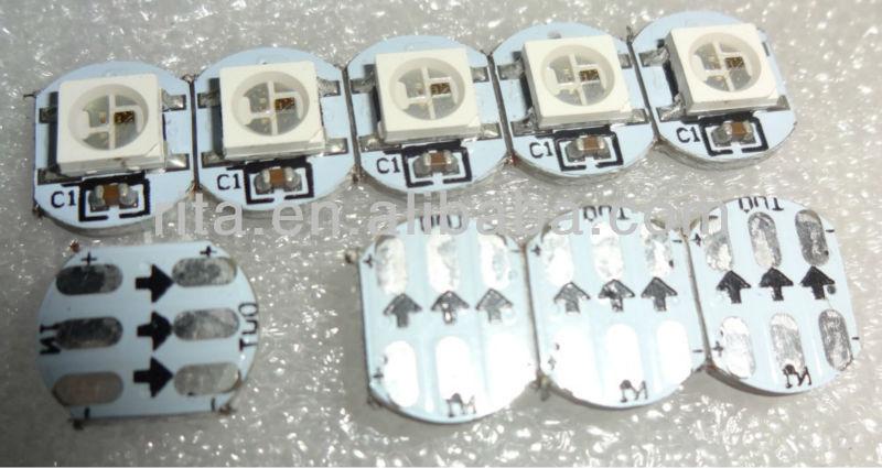 ヒートシンクと導いたws2812b( 10mm*3mm); dc5vの入力; 5050smdrgbicとws2811建て-