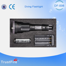 Military tactical flashlight hunting accessories TrustFire Low price DF006 scuba diving led flashlight,underwater Led work light