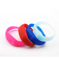 colorful promotional gifts,swirl debossed silicone bracelet/silicone wristband,silicone rubber bracelet