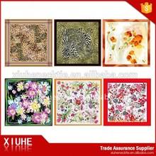 Pañuelos de seda modernos para mujeres