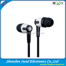 2014 Global hot selling in ear wired stereo earphone assorted colors with bass sound for music