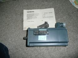 SIEMENS 3PH PERMANENT MAGNET SERVO MOTOR 1FT5044-1AF71-3AA0