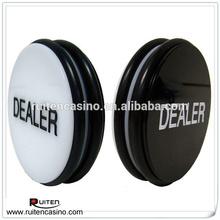 3 pulgadas grabado Casino Dealer botones de doble cara blanco y negro Dealer Puck