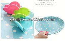 FDA/LFGB 2013 hot sell mini silicone butterfly cast iron flower pot holder