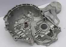 China custom die casting parts and auto engine housing of aluminium investment casting and die casting