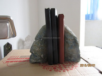 cheap various sizes of natural stone amethyst/purple geode bookends for sale