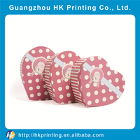 decorate heart-shaped cardboard pacagking box for Valentine's Day