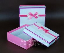 2011 popular cosmetic paper gift box with pink ribbon