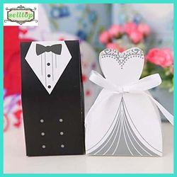 Cute 230g paper bride and groom wedding favor box