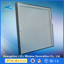 Guangzhou Factory Low E glass partition blinds