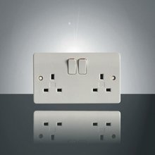 13A double wall switched socket
