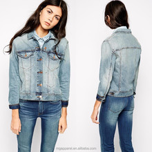 Long Sleeve Mid-wash Point Collar Cheap Women Denim Jacket with Button Front