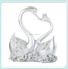 Resin sculpture marry couple wedding swan statue decoration