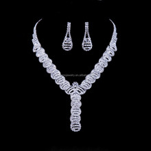Travel Glass Different Types Of Necklace Chains Jewelry Case Display Cabinet