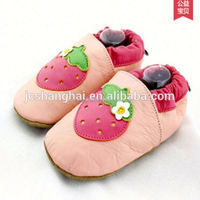 Cast shoe 2015 summer sandals girls first walkers baby shoes factory in china hand made kids shoe