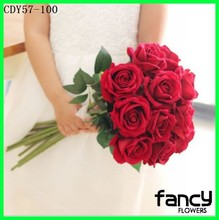 Factory direct sale velvet rose flower bouquet for valentine's day gift holding flowers rose bouquet for wedding