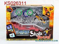 KIDS METAL FINGER SKATE BOARDING GAME