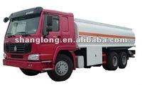 China Manufacturer SINOTRUCK HOWO 6X4 Fuel Tank Truck