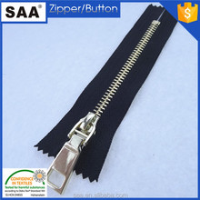 Excellent quality shiny gold teeth metal zipper cheap price for jackets