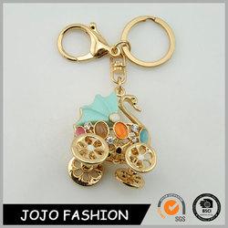 Latest new swan keychain car,beautiful car shape crystal keychain /