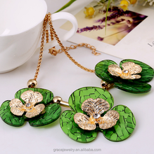 three green clover with finding material necklace for women