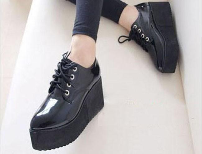 2015 Моды Creepers Женщины Плоские Туфли Лакированной Кожи Warterproof босоножки Высокая Платформа Creeper Обувь Женщина XWK040