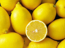 Fresh Citrus Fruit / fresh lemon