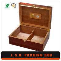 Factory Luxury Design Glossy Lacquered Wood Donation Box