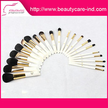 Cheap and high quality black plactic natural make up brush