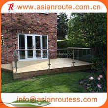 Interior forjado escalera de barandilla de hierro