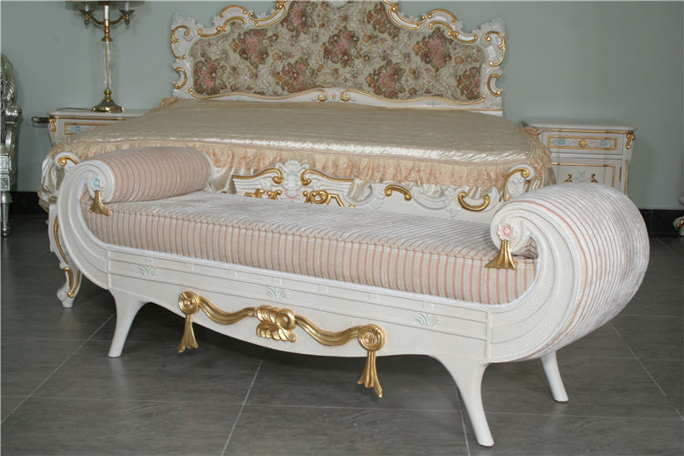 Luxury Wooden Bedroom Furniture Hand Carved Leaf Gilding Classic Bed End Be