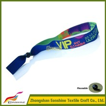 Branded Reusable Cheap Wristbands With A Message