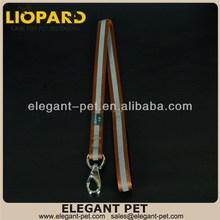 Fashion hot selling promotional dog pulling on leash
