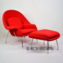 Réplica Eero Saarinen Womb Chair e otomano - vermelho tecido de lã