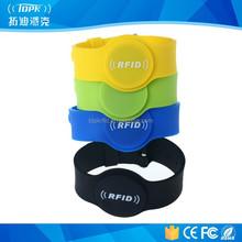 Colored rubber nfc mens hand fashion men's bracelet