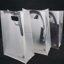 customized pvc handle bag, pvc shopping bag, pvc plastic gift bag