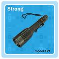 Auto defensa LED resistente al agua y recargable zoom linterna