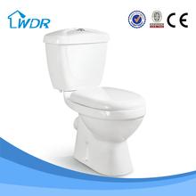 lavado de cerámica de inodoro con cisterna