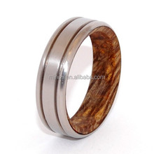 High quality tungsten carbide ring wedding ring wooden beautifully crafted titanium wedding ring