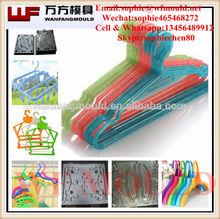 inyección de plástico suspensión de ropa del molde/ropa del hogar molde suspensión proveedor