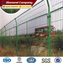 low carbon Q195 galvanized welded wire mesh fence / best price galvanized welded wire mesh fence for sale