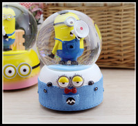 Custom kids birthday gifts minions hold horn music box Despicable Me minions snow globe for sale
