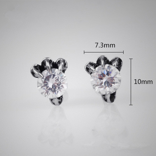 Women Jewelry Stainless Steel Bar Insert Diamonds Black and White Eagle Claw Stone Ear Studs